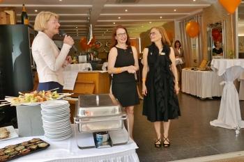 Karin Koch mit Michaela Dippel und Ute Inselmann