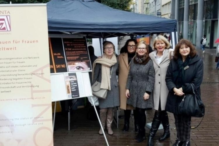 ZONTA SAYS NO Aktion in der Ludwigshafener Innenstadt